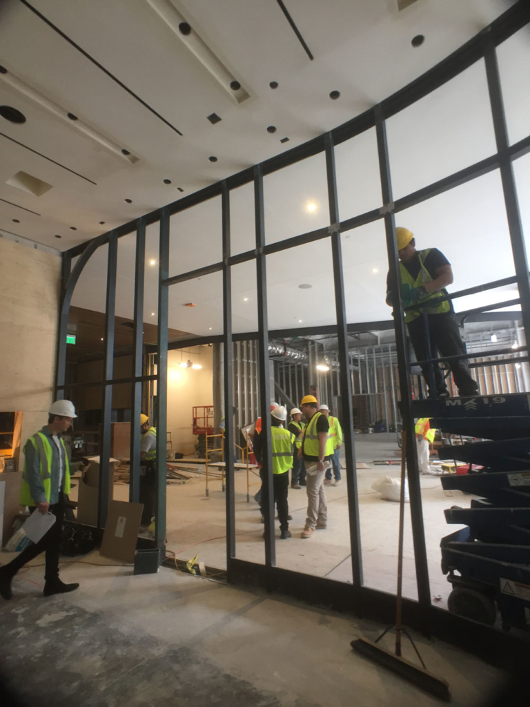 Building the curved glass wall at Compartes